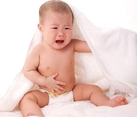 Dị ứng đạm sữa bò có thể ảnh hưởng đến các bộ phận khác của cơ thể trẻ như da, hệ hô hấp, hệ tiêu hóa...