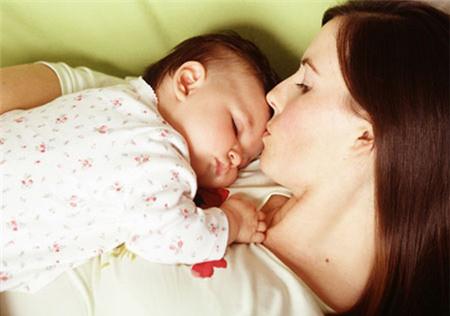 Việc kiêng cữ sau sinh là cần thiết nhưng không nên thái quá.