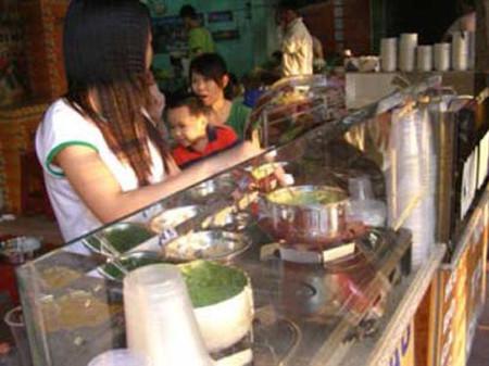 Cháo dinh dưỡng vẫn có một lượng khách hàng thường xuyên ổn định