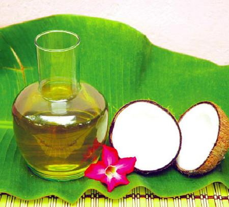 Dầu dừa có công dụng giúp da đàn hồi, ngăn ngừa rạn da hiệu quả
