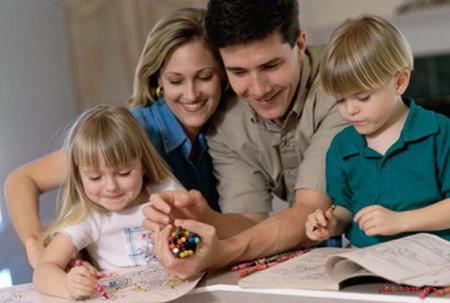 Để trẻ thêm tự tin ở lớp mầm non, mẹ cần chú tâm phối hợp cùng nhà trường