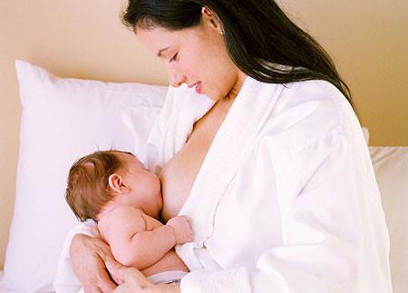 Hình dáng của bầu ngực không ảnh hưởng đến lượng sữa và chất lượng sữa.