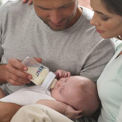 Hãy giúp đỡ vợ chăm sóc con nhỏ