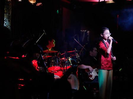 Sau chương trình GHVN, Mỹ Chi rất đắt show ca nhạc.