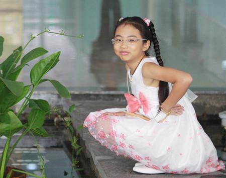 Phương Mỹ Chi được rất nhiều người yêu thích với giọng hát ngọt ngào.