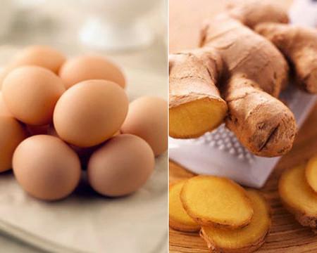 Mặt nạ nghệ trộn lòng đỏ trứng gà giúp da mẹ bầu hết nám, sạm.