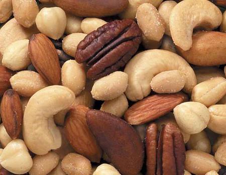 Các loại hạt được đánh giá là đồ ăn vặt vừa ngon miệng lại tốt cho các mẹ bầu