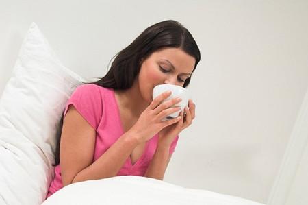 Phụ nữ mang thai 3 tháng đầu thường rất hay bị buồn nôn, ốm nghén.