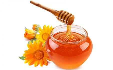 Trong mật ong có chứa rất nhiều dưỡng chất tốt cho mẹ bầu.