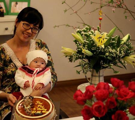 Chị Hồng Trang và bé Phi Phi