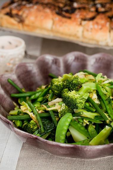 Súp lơ là loại thực phẩm tràn đầy folate, chất xơ và canxi