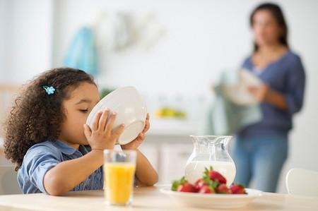 Các bé sẽ thích ăn hơn nếu món ăn được trang trí đẹp mắt, mùi vị hấp dẫn.