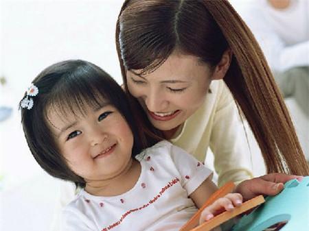 Làm thế nào để dạy con gái sống tình cảm?