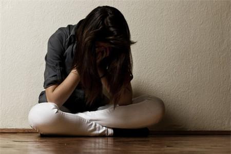 Thanh thiếu niên bị trầm cảm thường cảm thấy cuộc sống vô vị hay cảm thấy mình vô dụng.