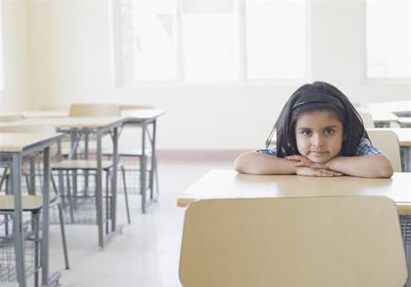 Khi giáo dục trẻ, nếu bạn có những nguyên tắc riêng và luôn kiên trì thực hiện thì trẻ sẽ biết cái gì nên làm, cái gì không nên làm.