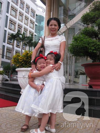 Chị Oanh và 2 thiên thần nhỏ.