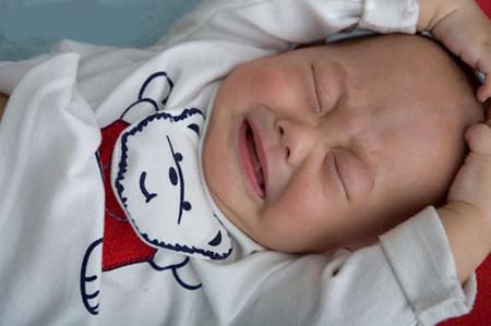 Lồng ruột thường xảy ra ở trẻ còn bú mẹ, hay gặp nhất ở lứa tuổi 4 - 9 tháng
