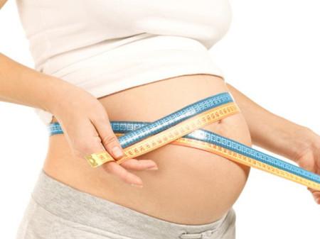 Mẹ bầu cần tăng cân lành mạnh, đúng chuẩn từng quý thai kỳ để thai nhi được phát triển tối ưu về thể chất, trí tuệ