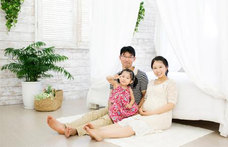 Người xưa cho rằng, việc mang thai bé gái mang đến nhiều mệt mỏi hơn, nặng nề hơn, và dễ bị phù nề ở chân hơn