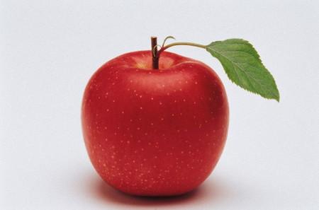 Các mẹ cũng có thể chế biến táo với bột ăn dặm cũng rất thơm ngon.