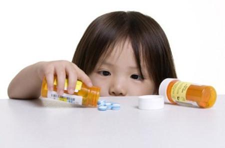 Cho trẻ em uống thuốc bổ nhiều lợi hay hại?