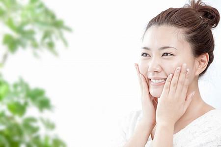 Bạn có thể chăm sóc da bằng các liệu pháp từ thiên nhiên ngay sau sinh em bé.