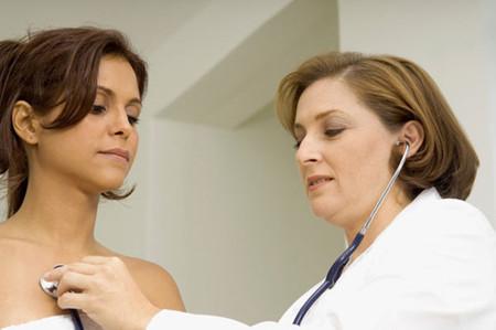 Khám sức khỏe tổng quát trước khi mang thai là việc hết sức cần thiết để hạn chế rủi ro khi bầu bí sau này.