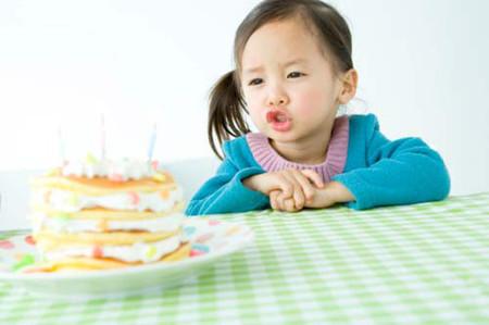 Trẻ sẽ ăn được nhiều hơn nếu đói.