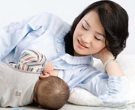 Sữa mẹ liên quan đến giới tính trẻ.