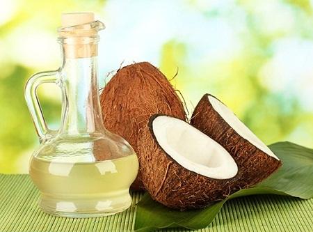 Dầu dừa có tác dụng rất tốt cho da vì nó giúp phòng và chống rạn hiệu quả.