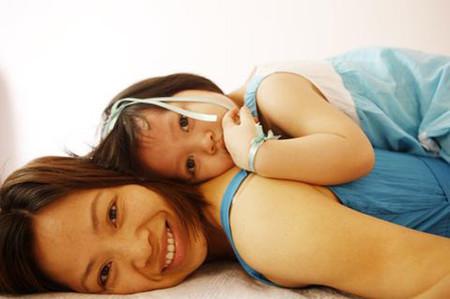 Con gái là niềm hạnh phúc tuyệt vời của ba mẹ