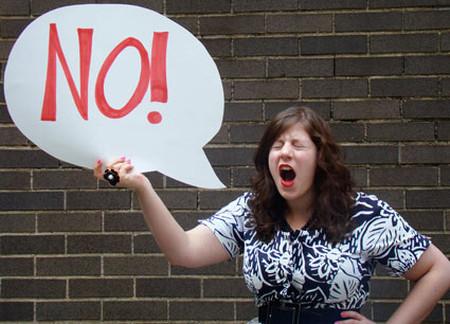 """Nói """"Không"""" bằng giọng điệu gay gắt sẽ khiến chúng ấm ức, khó chịu"""