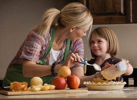 Bơ đậu phộng chứa nhiều vitamin E, A, axit folic, đồng và kẽm, rất tốt cho sự phát triển của trẻ.