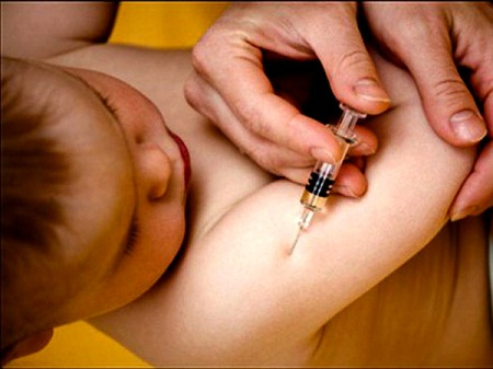 Vết tiêm ngừa lao của bé mưng mủ có nguy hiểm không?