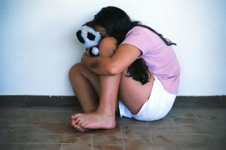 Lạm dụng tình dục sẽ tác động nặng nề đến tinh thần trẻ.