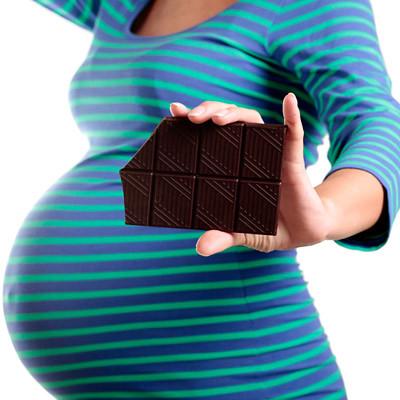 Socola tuy rất tốt cho sức khỏe nhưng mẹ bầu nên tính toán hợp lý khi ăn vì nó có thể khiến bạn tăng cân quá nhiều trong thai kỳ