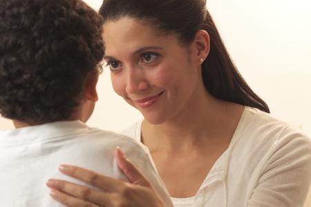 Không phải là không nên khen ngợi trẻ mà các bậc phụ huynh chỉ cần điều chỉnh một chút lời khen của mình đúng lúc, đúng chỗ.