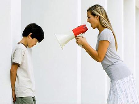 Quát tháo không phải là cách giải quyết khi trẻ lì lợm