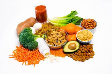 Thực phẩm giàu axit folic giúp giảm nguy cơ dị tật thai nhi.