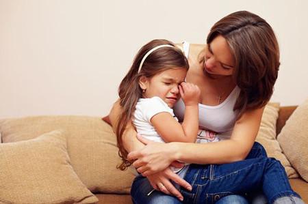 Trẻ nghịch quấy, không vâng lời khiến cha mẹ rất đau đầu