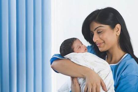 Những điều khiến mẹ sinh mổ lâu bình phục