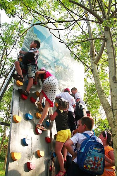 10 hé lộ siêu thú vị về trại hè cho con